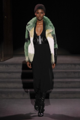 tom-ford-colorful-furs-4